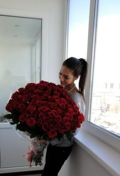 Now THAT is a bouquet of roses!