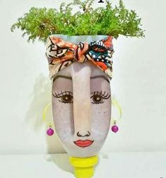 Diy Face Shaped Painted Plastic Bottle P - Diy Crafts - Qoster Plastic Bottle Planter, Reuse Plastic Bottles, Plastic Bottle Flowers, Plastic Bottle Crafts, Diy Bottle, Recycled Bottles, Recycled Garden Art, Garden Crafts, Recycled Crafts