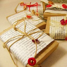 geschenkverpackung basteln mit zeitung oder bücherseiten