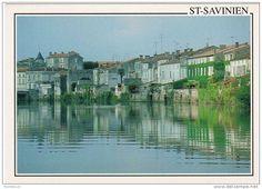 17   SAINT-SAVINIEN   Vieux quartier sur la Charente