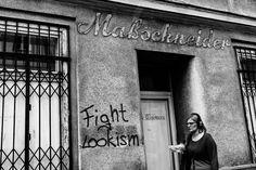 Oh Vienna . 2015 . 147 . Fight Lookism . Nicole Andermatt #Vienna #Wien #streetphotography #lookism
