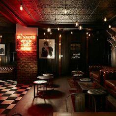 Johannesburg speakeasy Hell's Kitchen summons the devilish glamour of New York. speakeasy Hell's Kitchen Johannesburg summons the devilish glamour of New York Pub Interior, Bar Interior Design, Cafe Bar, Bar Pub, Pub Design, Restaurant Design, Sport Bar Design, Luxury Restaurant, Bar Lounge