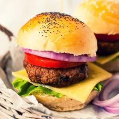 Burgers and Burgundy Wednesdays at the Four Seasons – Every Wednesday during lunch and dinner at The Bristol Lounge Bar, choose from four variations of the famous Bristol Burger, paired with two tastings of Burgundian-style wines, for just USD 35 per person.
