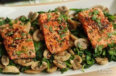 Pan-Fried Salmon with Sautéed Mushroom and Spinach Fish Recipes, Seafood Recipes, Pasta Recipes, Healthy Recipes, Seafood Appetizers, Sauteed Mushrooms, Spinach Stuffed Mushrooms, Sauteed Spinach, Turkish Recipes