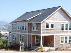 The Spindrift Lincoln City 5 bd, 3 lv, Lux home, Hot tub, slps 20+