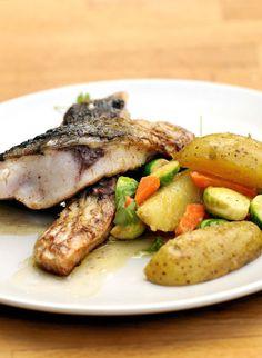 Kapr na staročeský způsob / Old-czech style Carp Fish And Seafood, Steak, Pork, Chicken, Czech Republic, Drink, Kale Stir Fry, Beverage, Steaks