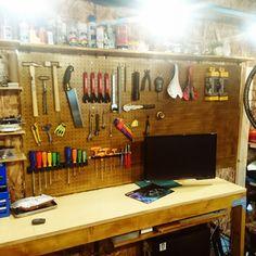 agassiさんの、有孔ボード,水性ウレタンニス,ガレージ,OSB合板,DIY,自転車,机,のお部屋写真