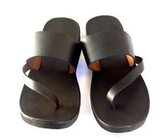 Welcome to Mandala - Handmade Leather Sandals  In our shop we will find a number of handcrafted sandals for both men and women. All are custom