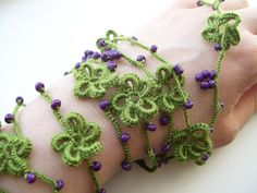 Crocheted lariat by Bohemian Hooks, via Flickr  small hook thin 'wool' & beads