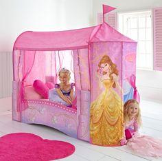 Un lit enchanté, rose voilé, pour votre petite fée...  http://www.bebegavroche.com/lit-chateau-princesse-disney.html