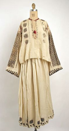 Ensemble Date: century Culture: Romanian Traditional Fabric, Traditional Dresses, Historical Costume, Historical Clothing, Folk Costume, Costumes, Pretty Outfits, Vintage Fashion, Style Inspiration