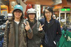 【大阪店】2014年4月6日 海外からのお客様です! オシャレなイーグルスのCAPを皆に自慢してください(*^_^*) #nfl