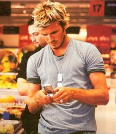 Photo of Beckham Vodaphone for fans of David Beckham 25342735 David Beckham Young, David Beckham Images, David Beckham Style, Victoria And David, David And Victoria Beckham, Sir Alex Ferguson, Jesse Williams, Hair And Beard Styles, Bearded Men