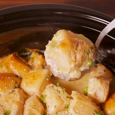 How To Make Crockpot Chicken & Dumplings Crock-Pot Chicken & Dumplings is comfort food at its easiest. How To Make Crockpot Chicken & Dumplings Crock-Pot Chicken & Dumplings is comfort food at its easiest. Crock Pot Recipes, Crockpot Dishes, Crock Pot Cooking, Slow Cooker Recipes, Soup Recipes, Cooking Recipes, Cooking Tv, Pot Roast Recipes, Cooking Turkey