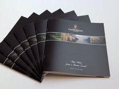 Il nuovo Catalogo Vini della Cantina di Castelnuovo del Garda, nuova impostazione grafica, nuovo formato, stampa offset con vernice UV effetto lucido e opaco a zona.