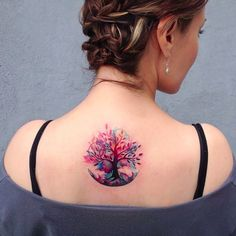 What is a watercolor tattoo and what are the pros and cons of watercolor tattoos? Undoubtedly this style is one of the most spectacular forms of body art. Stylish Tattoo, Trendy Tattoos, Small Tattoos, Feminie Tattoos, Neue Tattoos, Body Art Tattoos, Girl Tattoos, Ladies Tattoos, Bow Tattoos