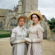 Samantha Morton as Harriet Smith and Kate Beckinsale as Emma Woodhouse inEmma (1996).