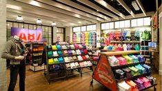 Aéropostale store by GHA Design, New York store design