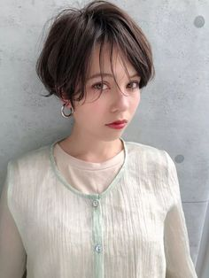 Asia Girl, Beautiful Eyes, Asian Fashion, Asian Woman, Short Hair Styles, Curly, Hair Beauty, Make Up, Female