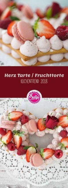 Der Kuchentrend im Jahr 2018 sind Fruchttorten mit einem Keksboden und einer aufgespritzten Creme. Ich bereite die Creme aus Frischkäse und Sahne zu und dekoriere dieses Herz mit Rosen, Erdbeeren und rosa Macarons. #valentinesday