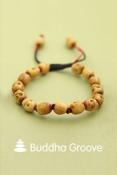 In Tibetan Buddhism, skulls are used to signify impermanence and encourage a life of compassion. This wrist meditation mala features 15 individually knotted skull beads for counting and repeating mantras and prayers. Buddha Jewelry, Small Skull, Mala Meditation, Tibetan Buddhism, Beaded Skull, Bone Carving, Diy Jewelry, Bones, Beaded Bracelets