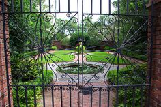 A courtyard in downtown Savannah, Georgia. Garden Entrance, Garden Gates, Downtown Savannah, Savannah Chat, Savannah Gardens, Gate Pictures, Welcome To My House, Water Features In The Garden, Entry Gates