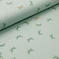 "Dieser Jersey ""Dragonfly"" in Mint ist im wahrsten Sinne ein beflügelndes DIY-Material. Mint Gold, Bed Pillows, Material, Glitter, Dragon Flies, Cotton, Pillows, Glow"