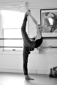 BALLET / At the barre