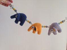 Garnkusserne | Lækre hækleopskrifter / DIY til dig, hjemmet og baby |: DIY: Barnevognskæde med elefanter