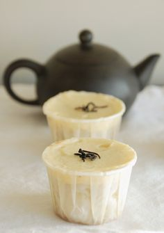 For the tea addict (like me!) Darjeeling Dreams: Earl Grey Cupcakes with Orange-Scented Buttercream + Being Pretty in Pink Yummy Treats, Sweet Treats, Yummy Food, Orange Buttercream, Buttercream Frosting, Sugar Frosting, Just Desserts, Dessert Recipes, Dessert Healthy