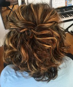 Prom hairstyle for shoulder length hair, half up half down and curly, caramel and blonde highlights on brown hair