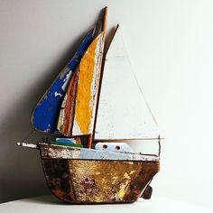 Coastal vintage boat made from old boat materials Driftwood Beach, Driftwood Art, Vintage Boats, Reclaimed Wood Art, Boat Art, Wooden Ship, Nautical Art, Sewing Art, Fish Art