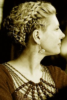 Lagertha Hair: Awesome Braided Hairstyle. I've been trying to Find a clear picture