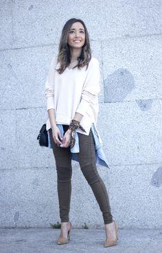 Khaki Pants pale pink sweater uterqüe bag accessories heels fashion outfit10