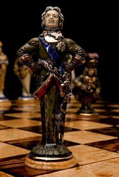 "Peter I. Chessman ""King"". Porcelain, gilding. Height 17 cm"
