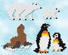 """Résultat de recherche d'images pour """"hama perler fuse bead polar bear"""""""