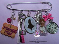 "Broche ""Alice"", broche fimo fantaisie ! : Broche par des-bijoux-en-veux-tu"