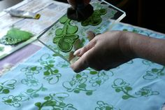 good idea sticking lino onto perspex- you can actually see where your printing