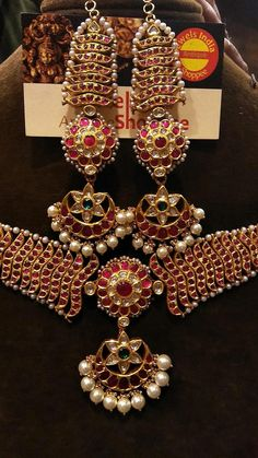 Learn more about Pandora Jewelry and the secret behind their amazing products and fashion accesories India Jewelry, Temple Jewellery, Head Jewelry, Wedding Jewelry, Flower Jewelry, Jewlery, Marriage Jewellery, Gold Hair Accessories, Traditional Indian Jewellery