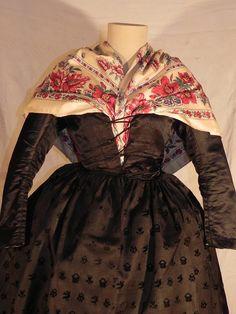 Aragon, Victorian, Culture, Costumes, Regional, Globe, Facebook, Dresses, Ideas