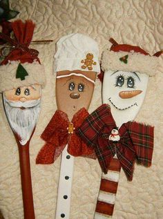 Christmas DIY gifts for the baker. Ornaments made from wooden spoons. Wish I know how to paint to try doing these. Christmas Wood, Diy Christmas Ornaments, Christmas Projects, Holiday Crafts, Christmas Decorations, Gingerbread Man Decorations, Santa Ornaments, Wooden Spoon Crafts, Wooden Spoons