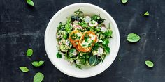 salat med couscous og halloumi.