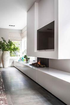 A villa with a tropicalvibe - desire to inspire - desiretoinspire.net - Roelfien Vos - modern fireplace