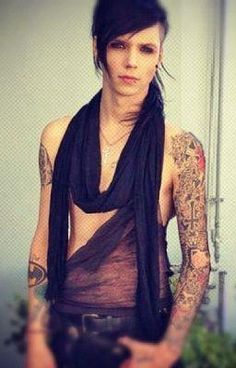 Andy Biersack: He is beautiful!!