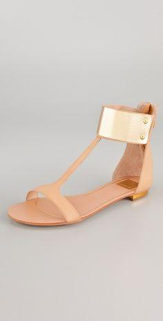 Dolce Vita                                                                                                  Bagley T Strap Sandals