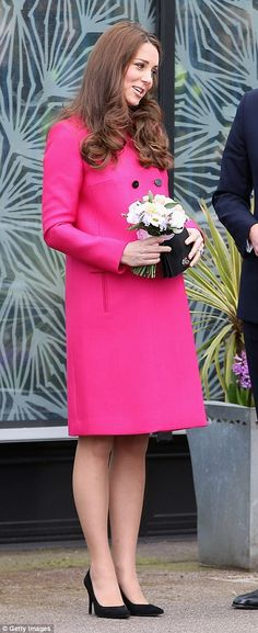 Duchess of Cambridge looks radiant in £1,500 Mulberry coat as she and William visit Stephen Lawrence Centre on her last engagement before maternity leave | Daily Mail Online