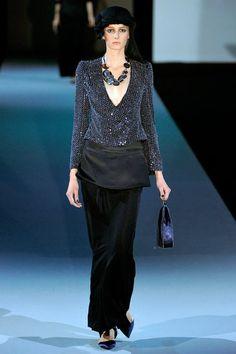 Giorgio Armani Spring 2011 Ready-to-Wear Fashion Show Collection