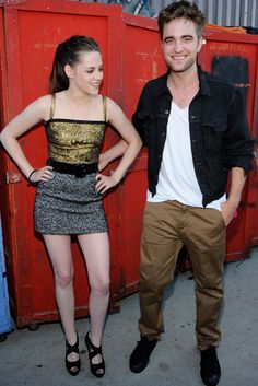 Kristen And Robert, Robert Pattinson And Kristen, Twilight Edward, Twilight Saga, Edward Bella, Edward Cullen, Kristen Stewart, American Actress, American Girl