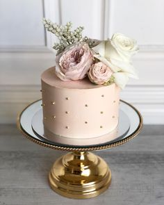 We will give you various cake design ideas for your reference 30th Birthday Cake For Women, Birthday Cake For Women Elegant, Small Birthday Cakes, Elegant Birthday Cakes, 60th Birthday Cakes, Beautiful Birthday Cakes, Elegant Cakes, Beautiful Cakes, Woman Birthday Cakes