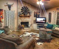 Home Living Room, Living Room Decor, Western Living Rooms, Décor Antique, Country Farmhouse Decor, Country Homes, Farmhouse Ideas, Country Living Room Rustic, Modern Farmhouse